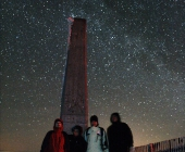 Společné foto u známého místa na vrcholu Lysé hory.