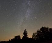 Noční nebe nad Beskydskou oblastí tmavé oblohy